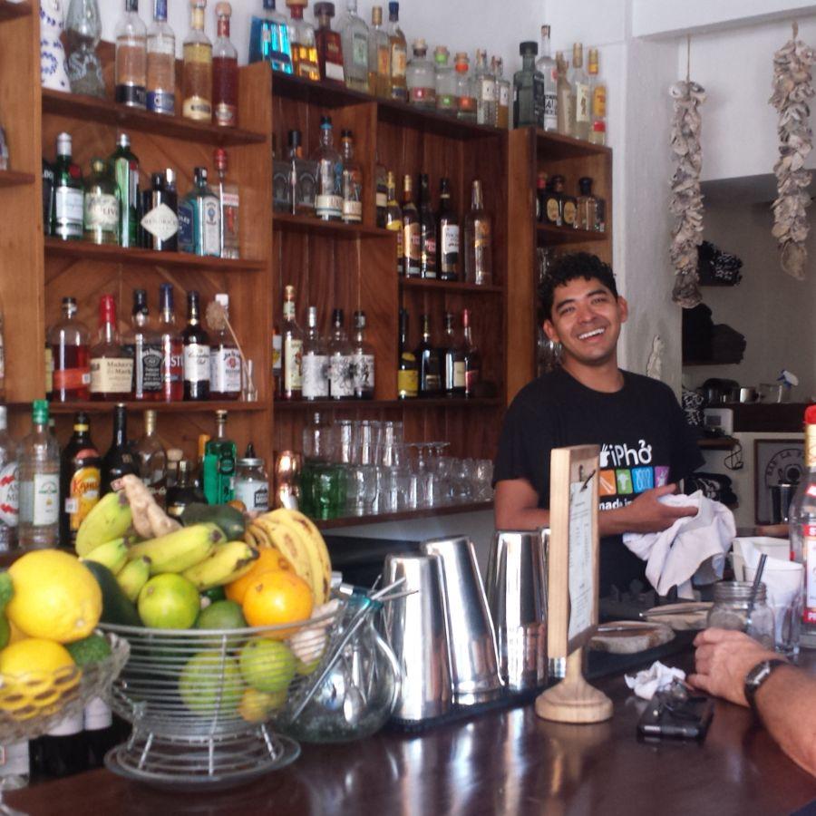 Bares, cafeterías, restaurantes de servicio rápido.